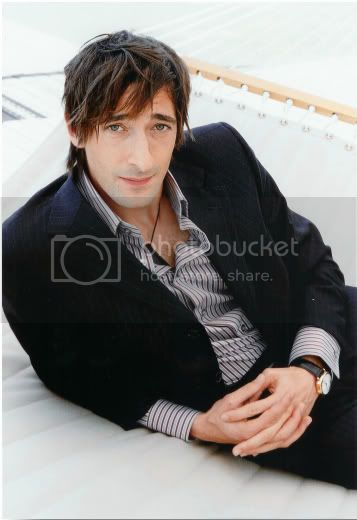 http://i326.photobucket.com/albums/k410/tnlgirl/Adrian_Brody_1.jpg